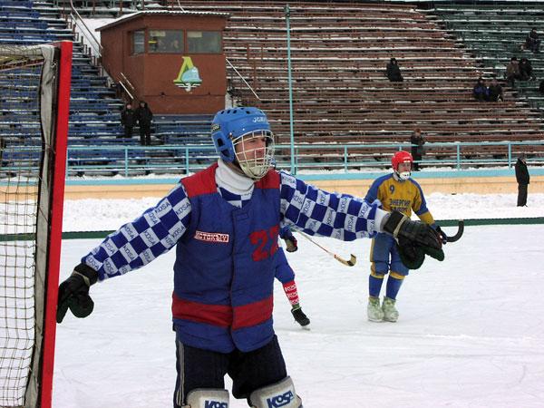 Февраль 2003-го. Сергей Лазарев на страже ворот иркутского «Зенита» в матче первенства страны среди команд первой лиги против свирской «Энергии»