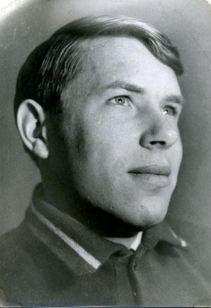 Александр Комаровский