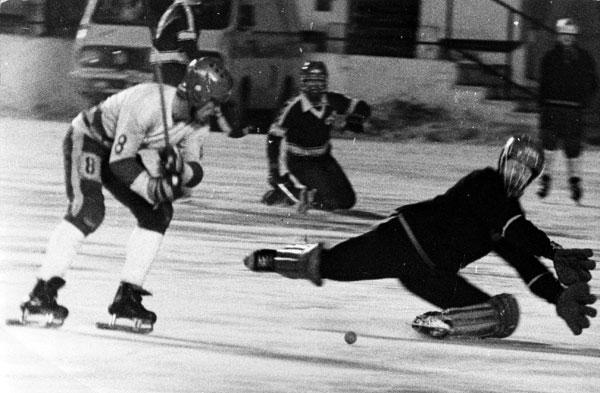 5 марта 1987 года. «Локомотив» – «Вымпел» – 7:1. Виктор Шаров поражает ворота соперника