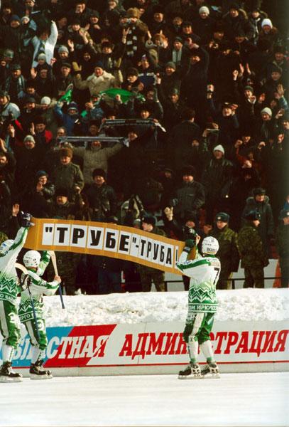 22 февраля 2004 года. «Сибскана-Энергия» по итогам двухматчевой  серии 1/8 плей-офф успешно преодолела «Уральский трубник»