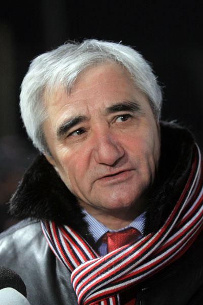 Виталий  Лазицкий  сменил  от- правленного в отставку Юрия Ла- хонина на посту главного тренера