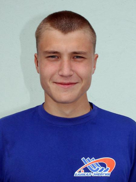 Сын  Дмитрий  сегодня  играет  в дубле «Байкал-Энергии»