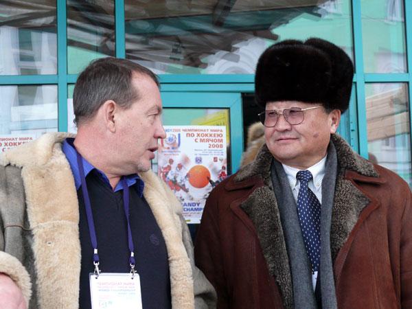 Евгений Выборов и первый монгольский космонавт  Жугдэрдэмидийн Гуррагча