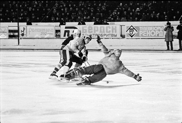СССР – Финляндия – 7:0.  Острый момент у ворот финнов
