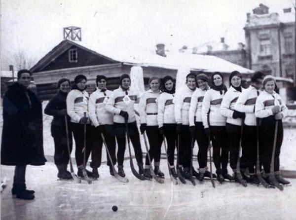 Иркутские хоккеистки 30-х годов XX века