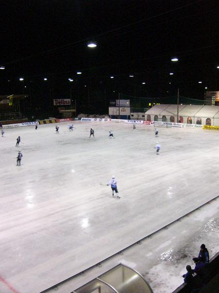 Ночной хоккей с высоты съёмочной площадки