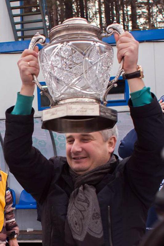 Что может быть приятнее, чем  поднять над головой старейший спортивный трофей России!